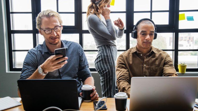 ¿Que es y cuales son los beneficios del Coworking?